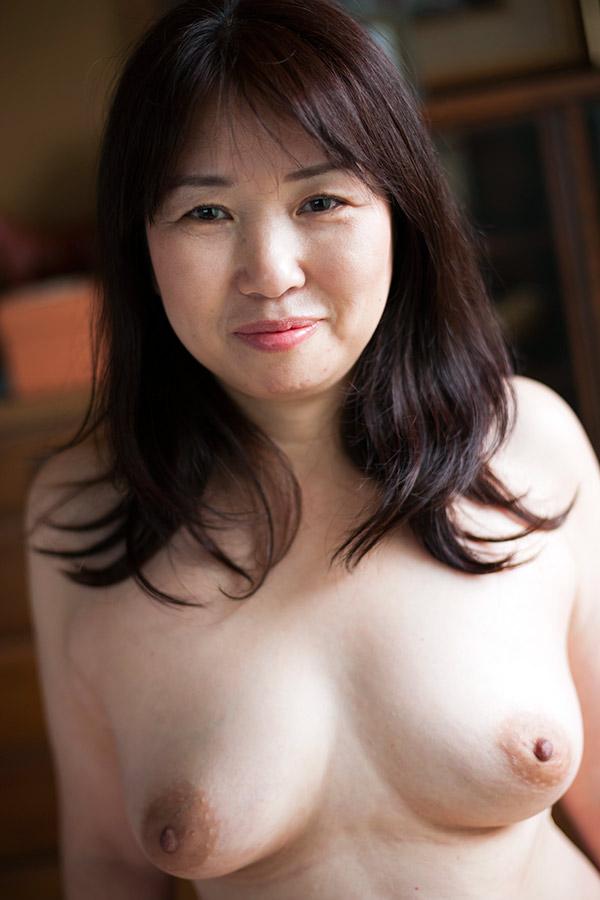 【素人】練馬に住む52歳の人妻はまだまだアリな童顔熟女