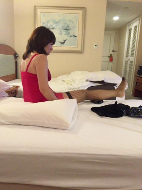 【個人撮影】旦那の前で寝取られる妻みみ