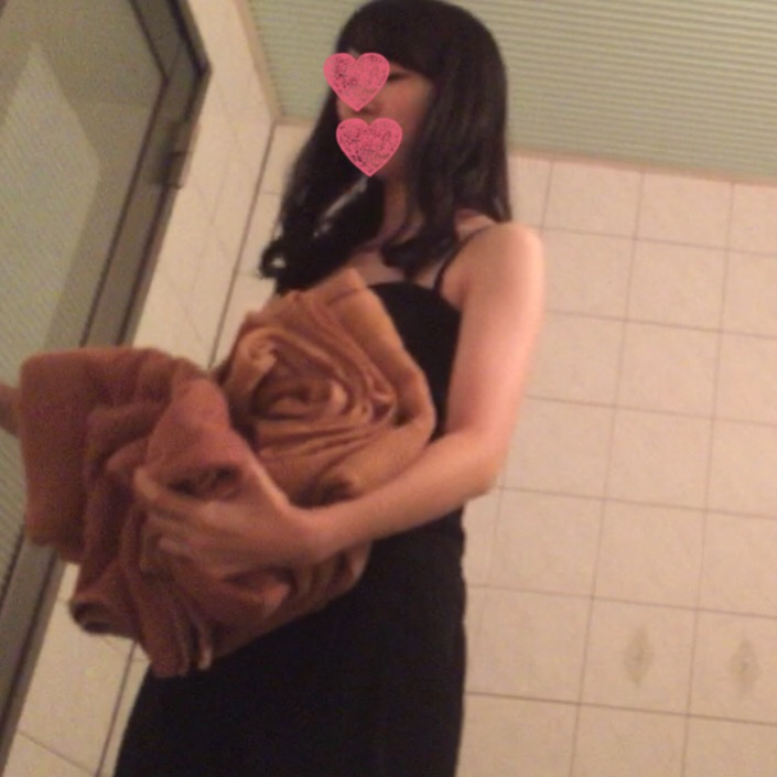 個人撮影 18歳と20歳 清楚系2人のシャワー覗き見 ☆おまけフェラ付き☆
