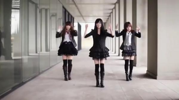 ダンスチーム「クリン」のパフォーマンス